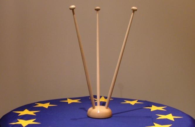 3-er Tischflaggenständer Holz